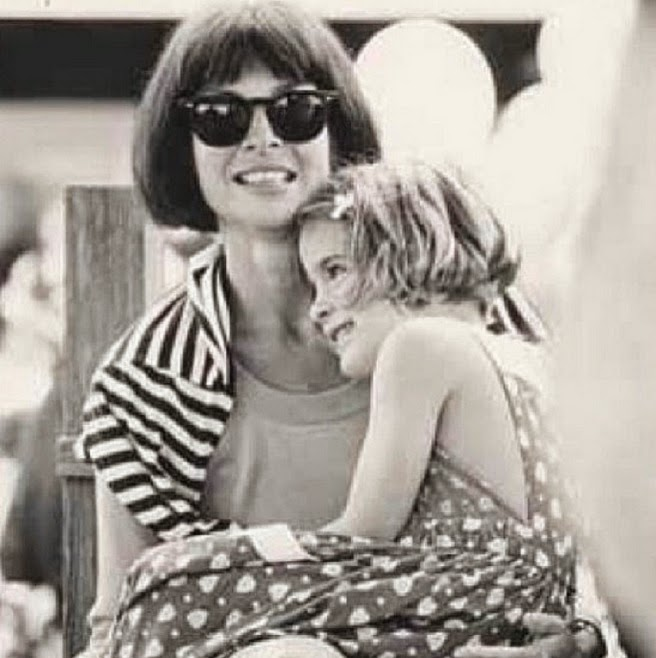 ANNA WINTOUR AND HER DAUGHTER