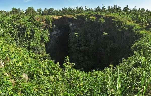 Penampakan Goa Jomblang dari Luar