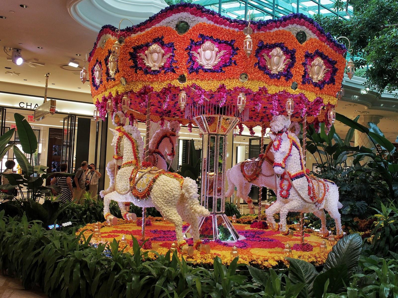 Carousel, #carousel #wynn #lasvegas #flowers #mirror