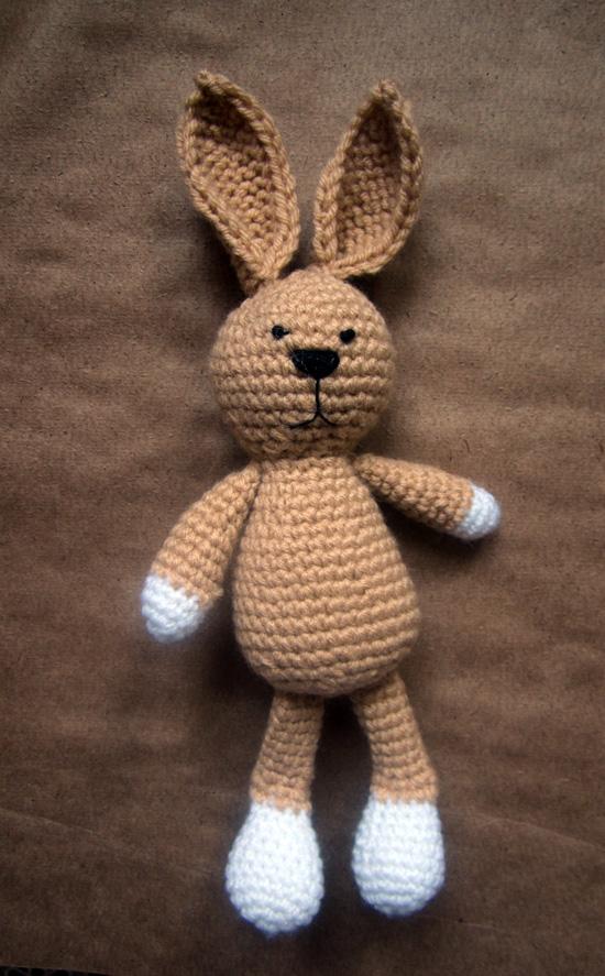 заяц в смешанной технике, игрушка-зайка крючком, купить вязаного зайца, вязаная игрушка