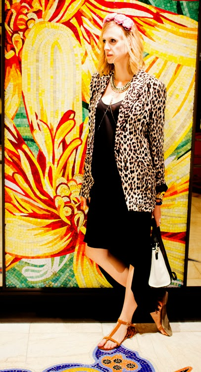Vancouver Fashion Blog Posing in vintage vegas trip with Iulia Agnew Photography and Social Mod PR