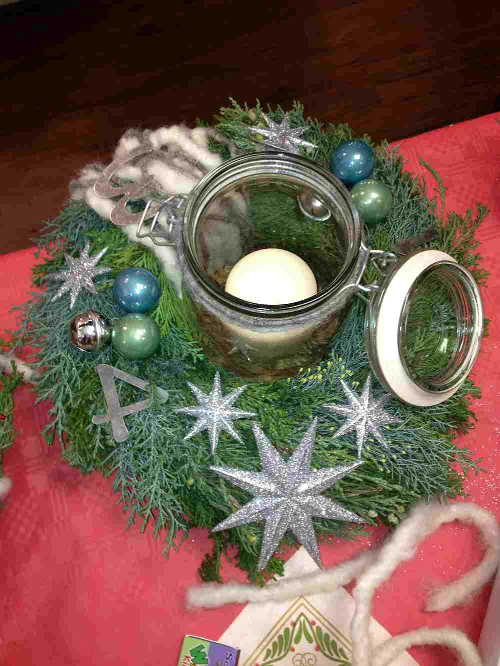 basteln macht gl cklich adventskranz schm cken f r die weihnachtszeit. Black Bedroom Furniture Sets. Home Design Ideas