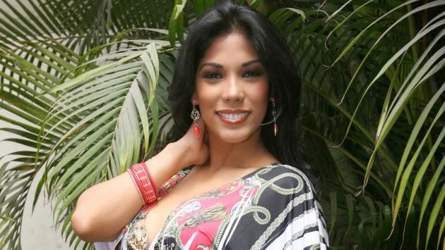 Karen Dejo en Arequipa - 09 de mayo