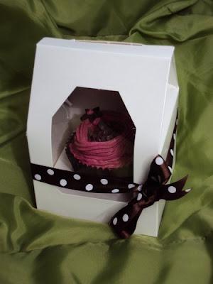 single cupcake gift box