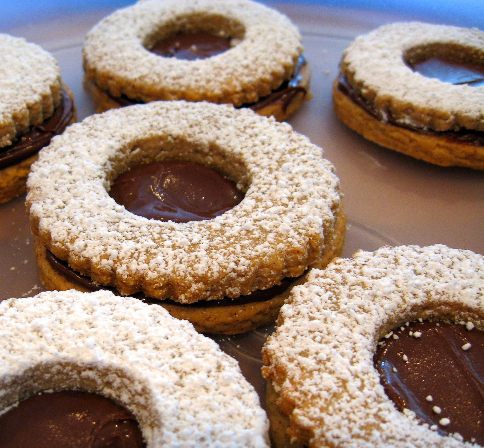 Culturally Confused: Baking: From My Home to Yours: Linzer Sables