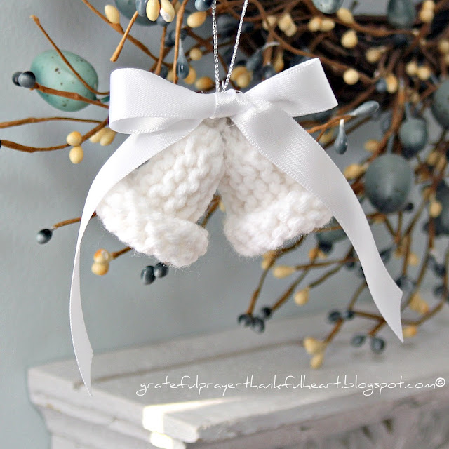 Knitting Pattern Christmas Bells : With a Grateful Prayer and a Thankful Heart: Knitted Dainty Bells