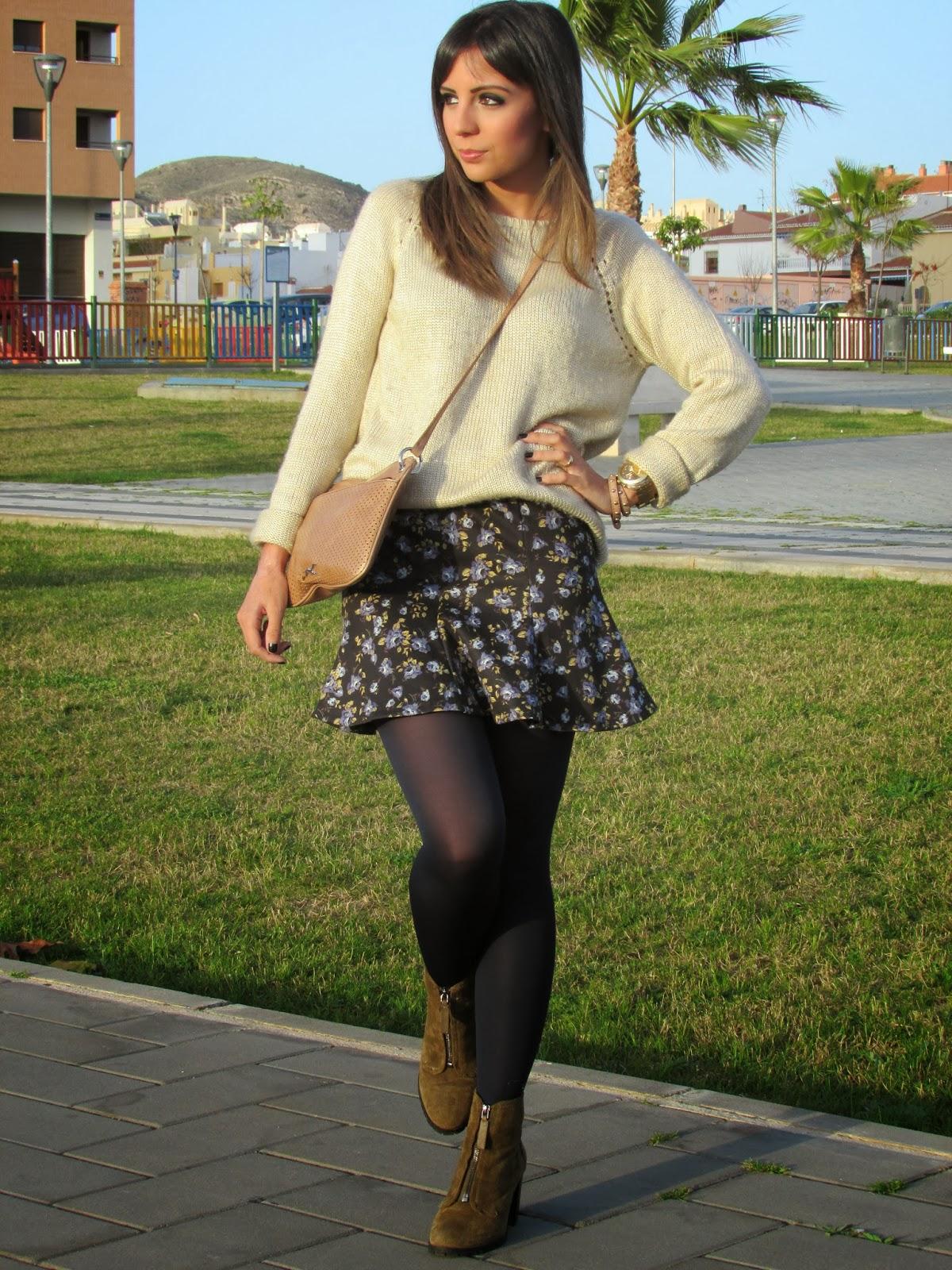 street style cristina style fashion blogger malagueña blogger malaga inspiration ootd outfit look zara mango tendencias modas casual chic teenvogue stylekiu