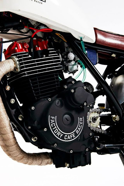 FT500 Ascot Cafe Engine Sidecover