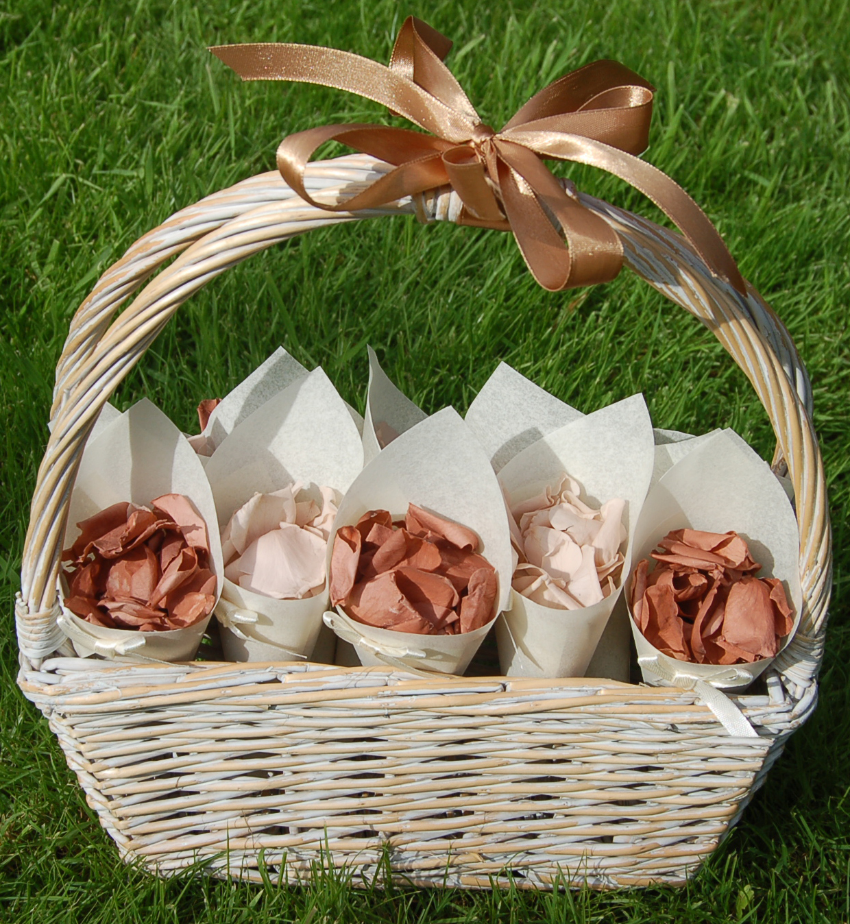Wedding Baskets For Flower Petals : The confetti october