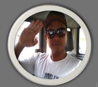 Ini mas mahbub, blognya juga banyak inspiratif yang bermanfaat. orangnya gagah seperti yang terlihat di blog, sekali-kali coba mampir di blognya :http://mahbubikhsan.blogspot.com/