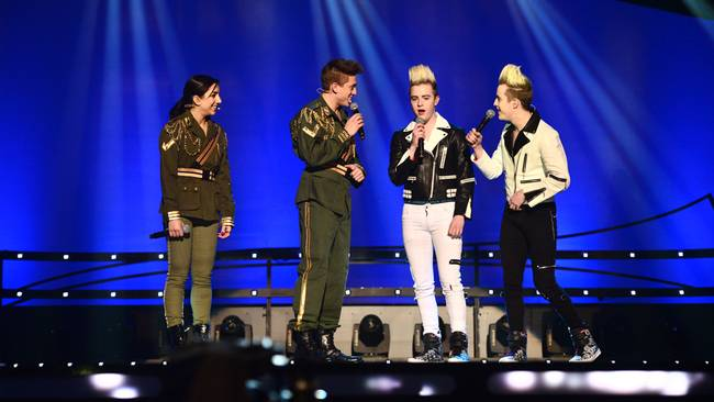 Europecrazy melodifestivalen andra chansen karlstad 02032013 whos duetting with danny and gina none other than 21st century eurovision royalty jedward who are stretching out their thecheapjerseys Images