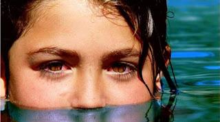 Mata Merah Setelah Renang Bisa Jadi Terkena Urine