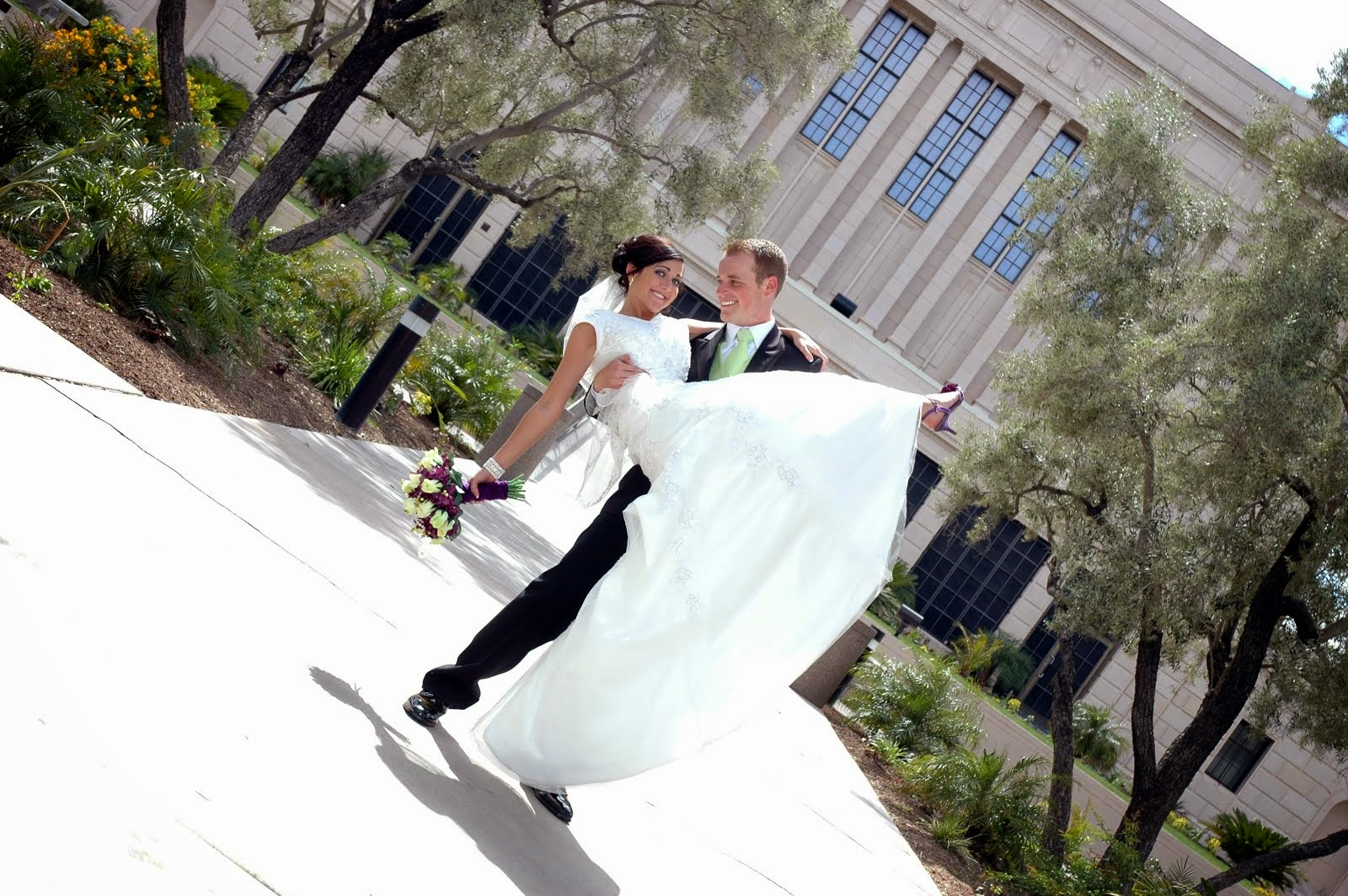 *5-01-'10* We got married...