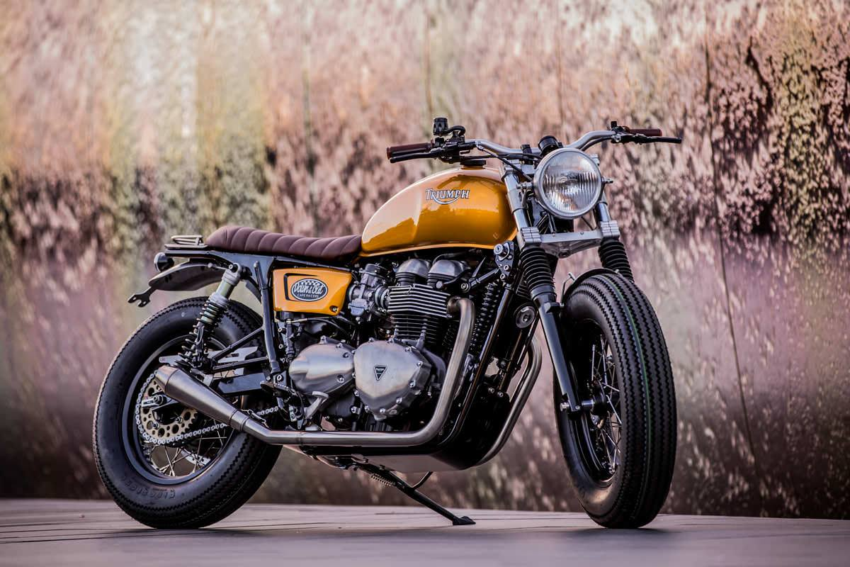 racing caf triumph thruxton 900 by down out caf racers. Black Bedroom Furniture Sets. Home Design Ideas