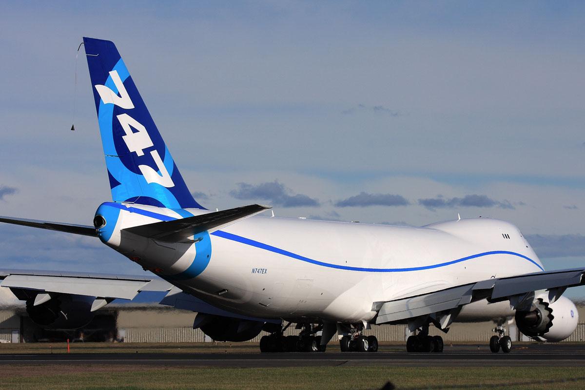 http://1.bp.blogspot.com/-8-kSCjCinjc/TppQXnPTXvI/AAAAAAAAGbg/ZtpMMeUS-eo/s1600/boeing_747-8f.jpg