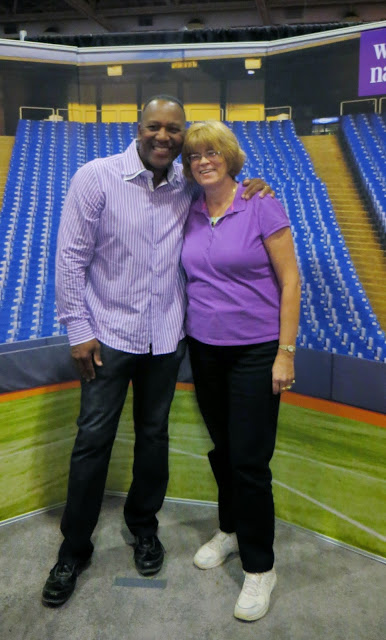The National Wome's Show, Toronto, Lifestyle, fashion, beauty, products, vendors, samples, girls weekend, shopping, event, ontario, canada, fun, 2014, the purple scarf, melanieps, blue jays, baseball, joe carter