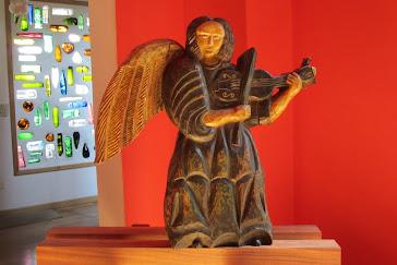 violinista en cedro boliviano