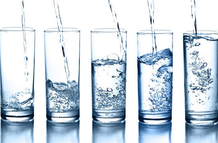 Thiếu nước cơ thể bạn sẽ ra sao?
