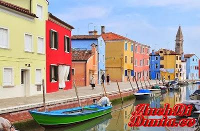 Perumahan Paling Banyak Warna Di Italia