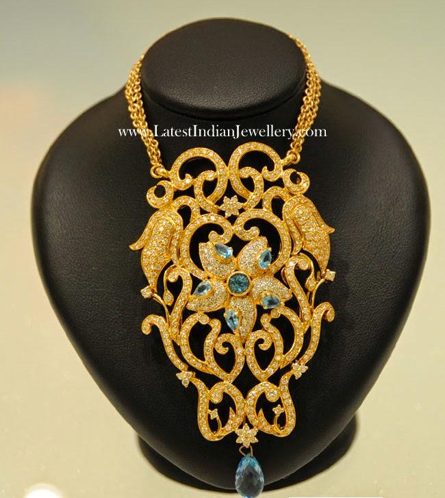 Floral Design Gold Pendants Collection