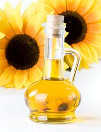 كيف تستخدمين زيت عباد الشمس لعلاج جفاف شعرك؟