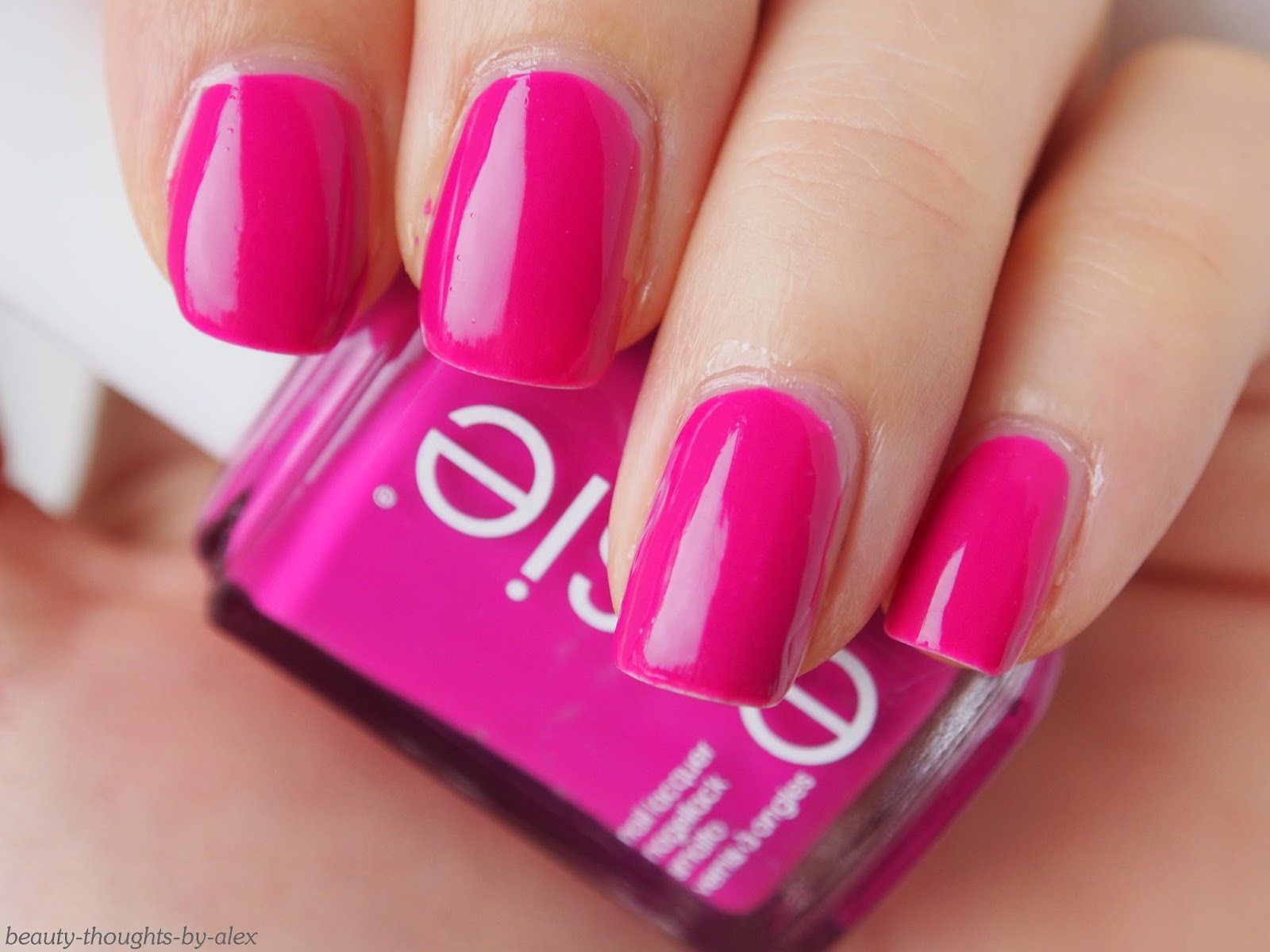 Essie Neon Kollektion 2014 too taboo