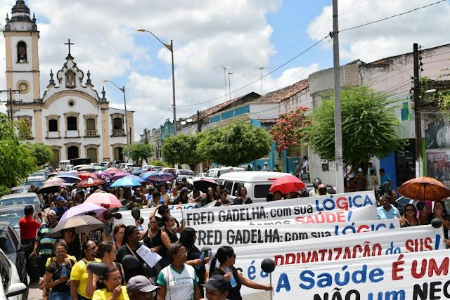 http://www.blogdofelipeandrade.com.br/2015/10/onda-de-protestos-continua-e-presidente.html