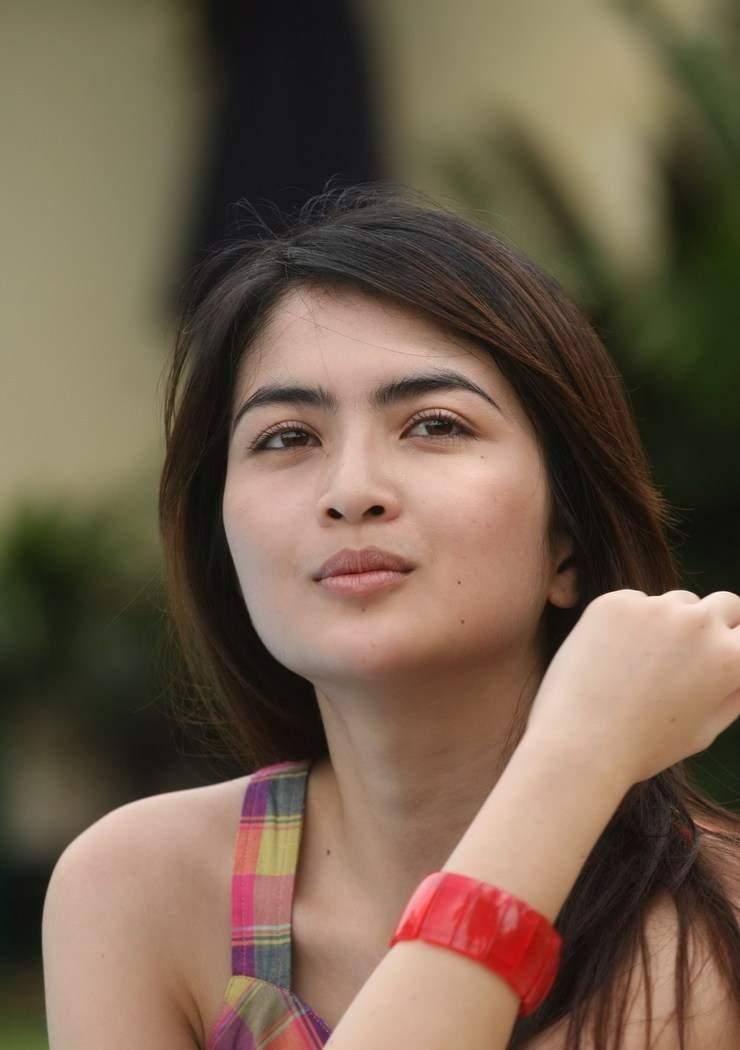 Ida Ayu Kadek Devi - Beautiful Smile and Full Color Dress...