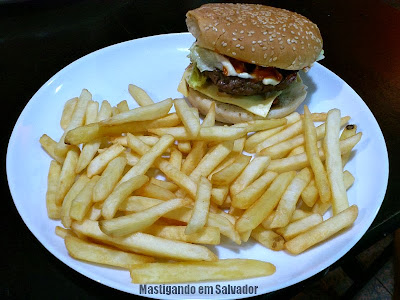 Kalil's Burger: Hambúrguer Biggest com Batatas Fritas