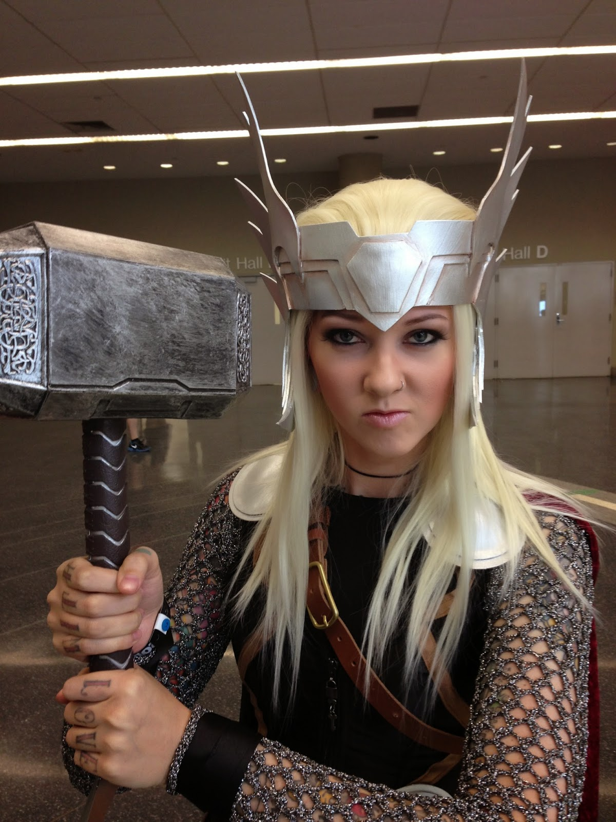 Omglitzy tutorial thor cosplay i would have loved to make a hammer myself but i didnt have the time i was actually very impressed with the hammer i bought from amazon it was sturdy solutioingenieria Images