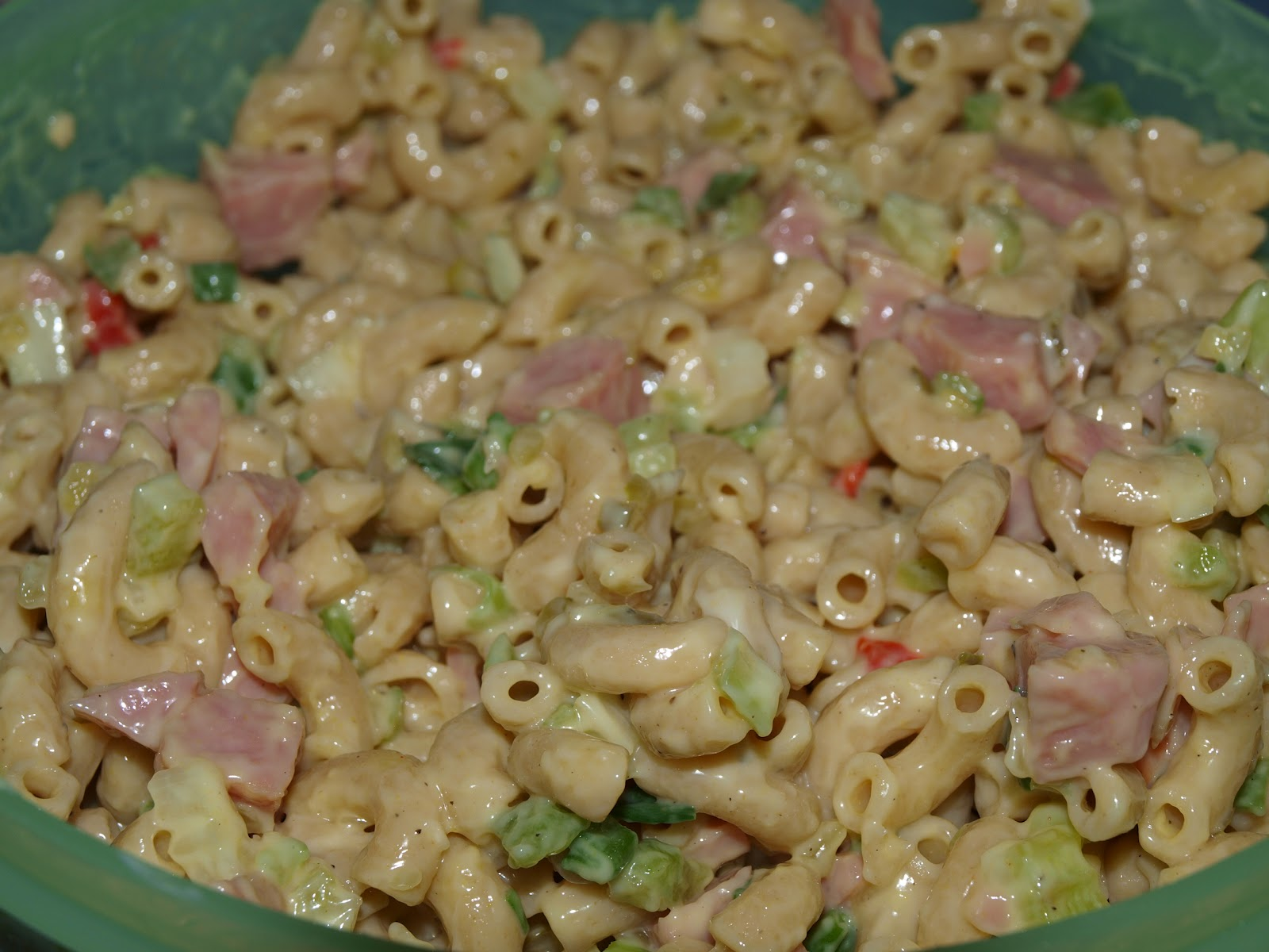 Салат из макарон с курицей пошагово