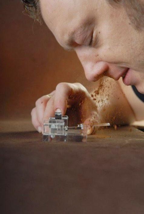 Aneh, Makan Coklat Ini Harus Lewat Hidung Lho