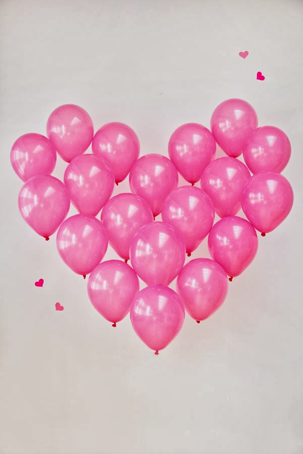 http://www.studiodiy.com/2013/02/12/diy-giant-balloon-heart/