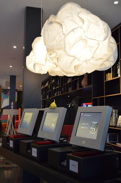 Lisa Mende Design: citizenM Hotel in London, My Home Away from Home!
