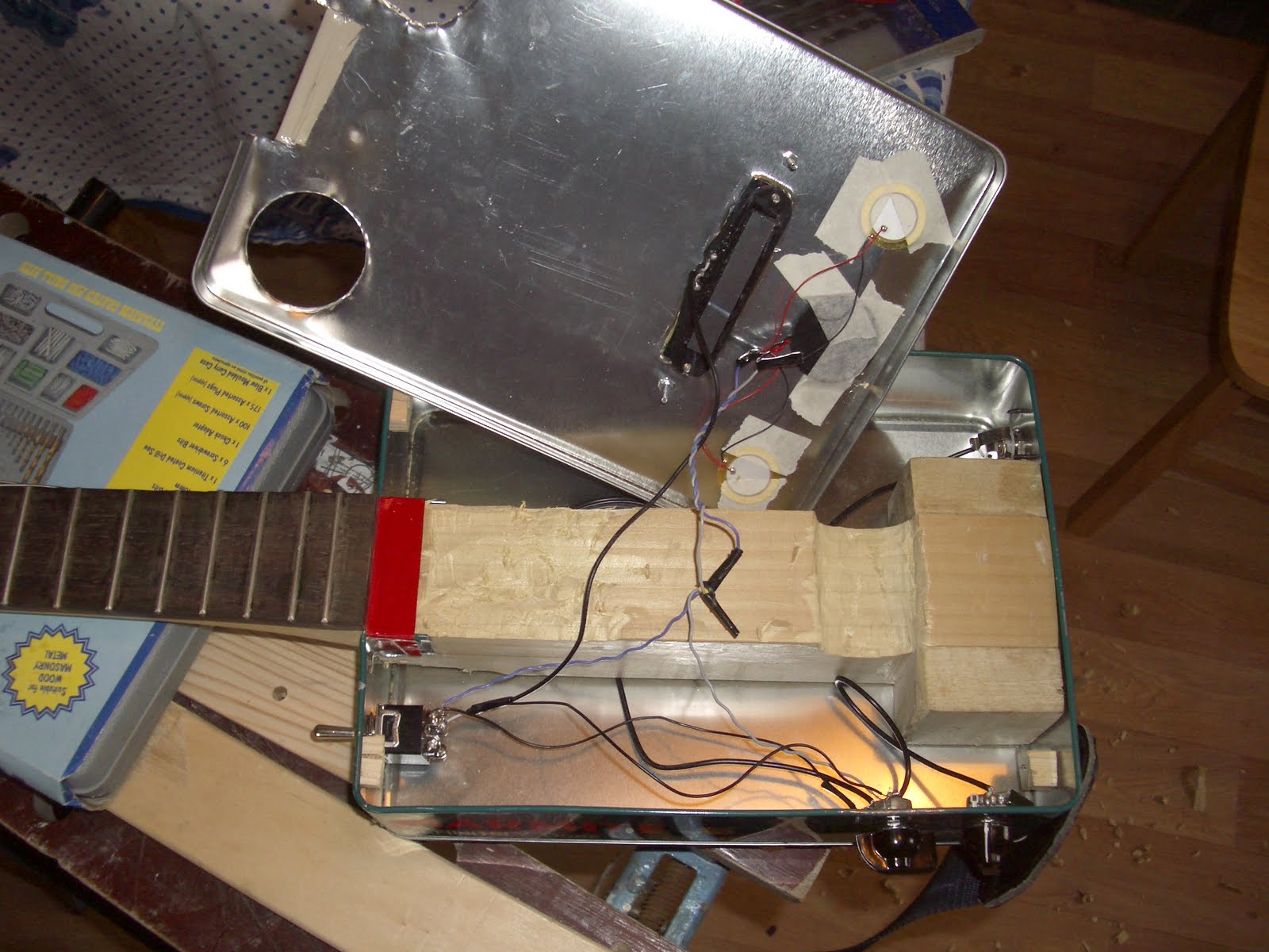 Project Banjitar Are Friends Electric Cigar Box Pickup Wiring Luckily I Found Advice Guidance And A Diagram On The Nation Website Http Cigarboxnationcom