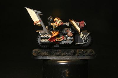 Nuln Oil de Citadel Shade en los Motoristas del Ala de Muerte de los Ángeles Oscuros