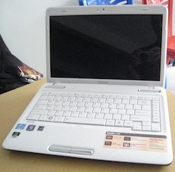 jual laptop gaming toshiba l745 white