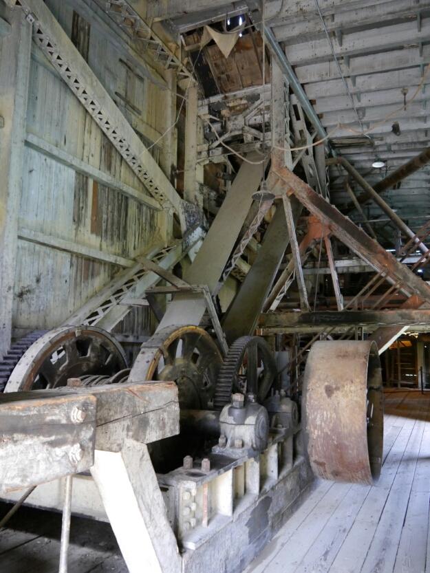 dredge power train