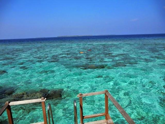 Biruzovata-Voda-Maldivi