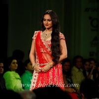 Sonakshi Sinha walks the ramp for Jyotsna Tiwari at the Aamby Valley Bridal Fashion Week
