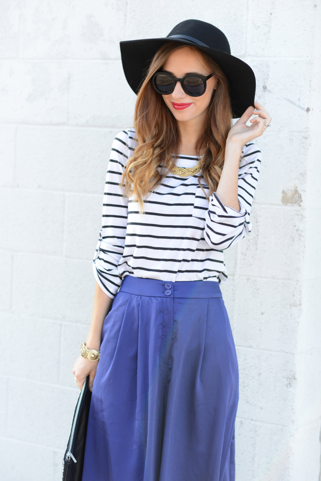 striped top with black hat for fall via M Loves M @marmar