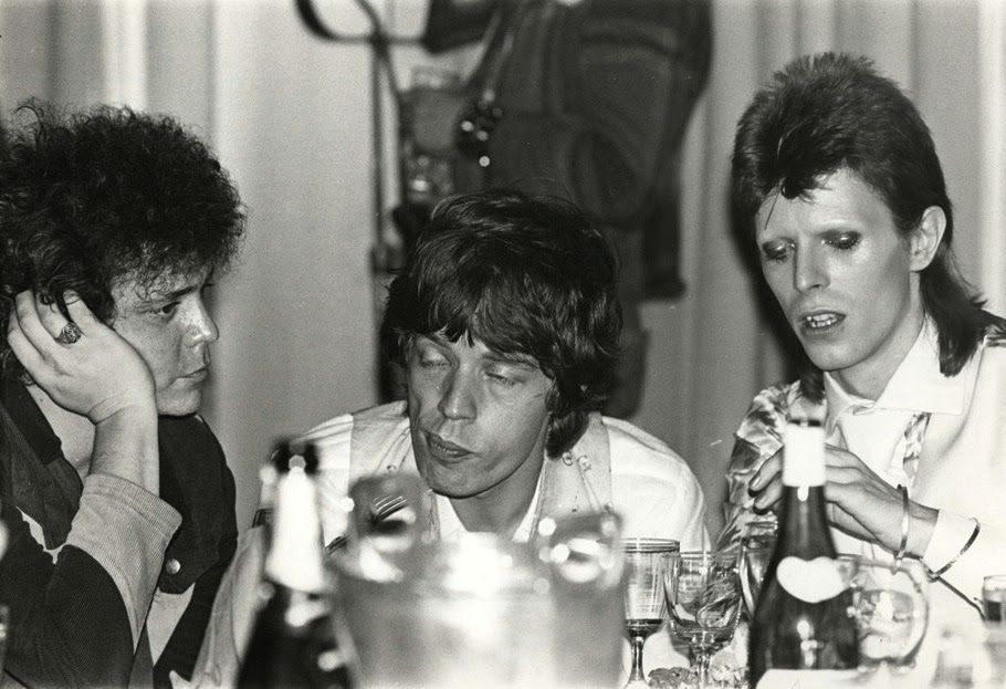 Lou+reed,+mick+jagger+and+david+bowie+hanging+out+together+at+caf%c3%a9+royale,+1973+(1