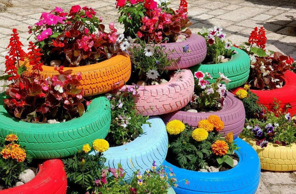 tunisie durable id es de recyclage des pneus usag s. Black Bedroom Furniture Sets. Home Design Ideas