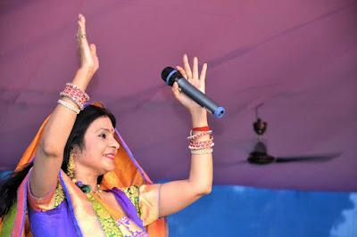 Malini Awasthi bhojpuri top singer