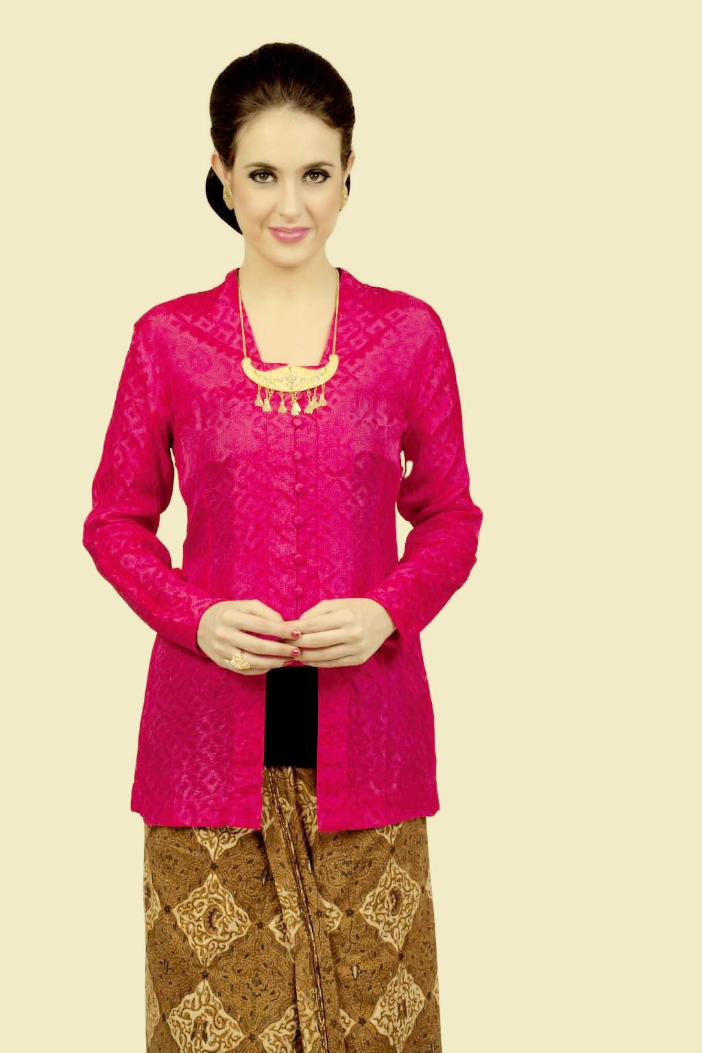 Foto Model Kebaya Kutubaru Pink Trend Desain Kebaya Klasik Terbaru