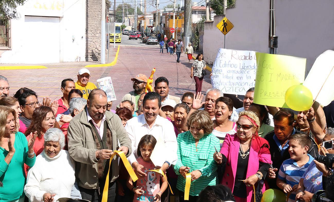 """ALCALDE CAPITALINO Y CIUDADANOS INAUGURAN PAVIMENTACIÓN DE """"AZTECA SUR"""""""