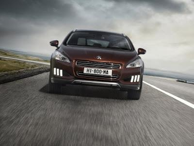 2012-Peugeot-508-RXH-Front