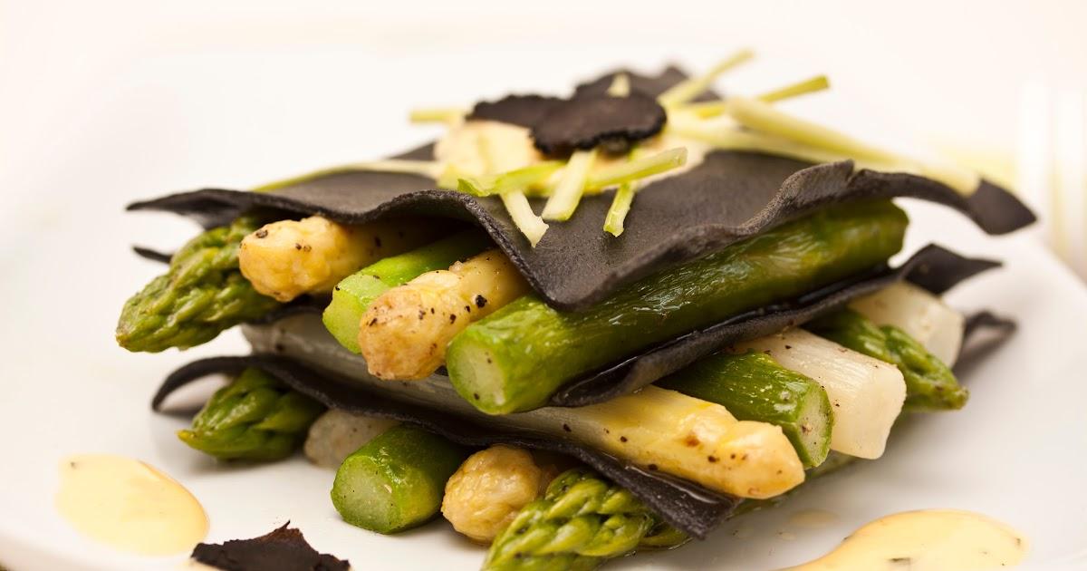 annetts kulinarisches tagebuch offene spargel lasagne mit estragon sabayon und tr ffel. Black Bedroom Furniture Sets. Home Design Ideas