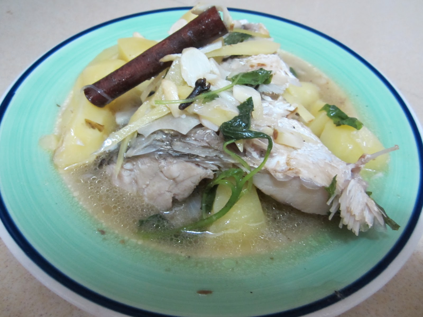 Fish head soup anna 39 s kitchen for Fish head soup