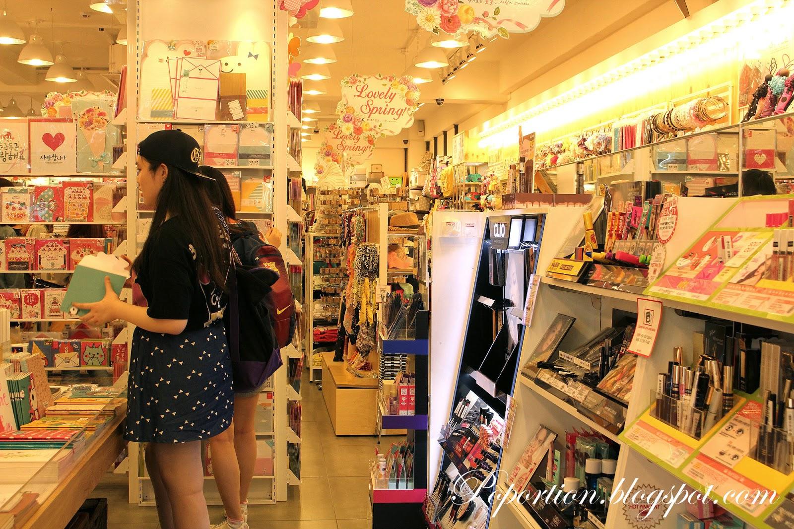 ewhas woman university shopping street where to go